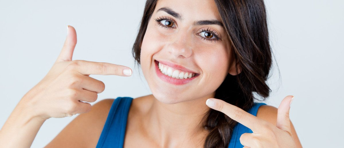 featured image for How Does Cosmetic Dentistry Improve Your Smile