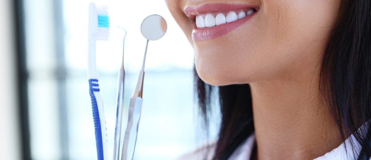 featured image for How To Maintain Good Oral Hygiene That Keeps Your Smile Healthy